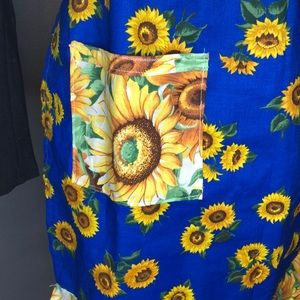 Hand Crafted Other - Sunflower Classic Apron